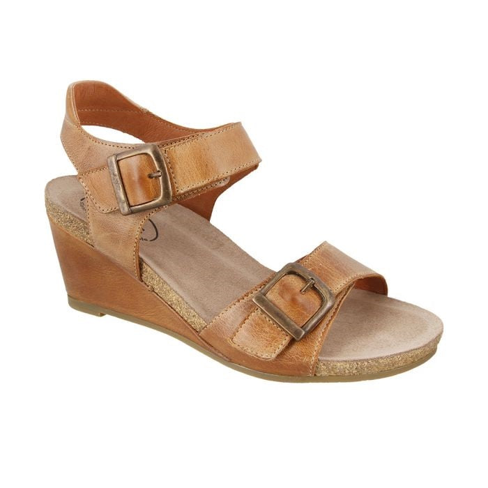 Women's Taos Buckle Up - Camel