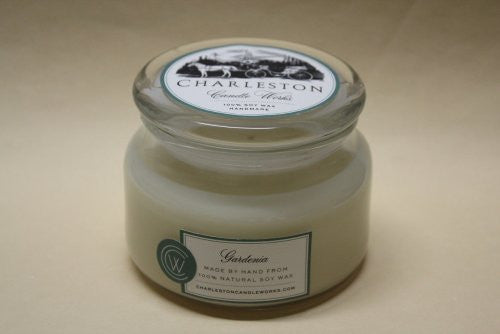 8oz gardenia candle, handmade with natural soy wax, a perfect gift.