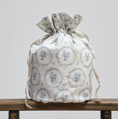 Storm Blue Britta Wreath Drawstring Washbags