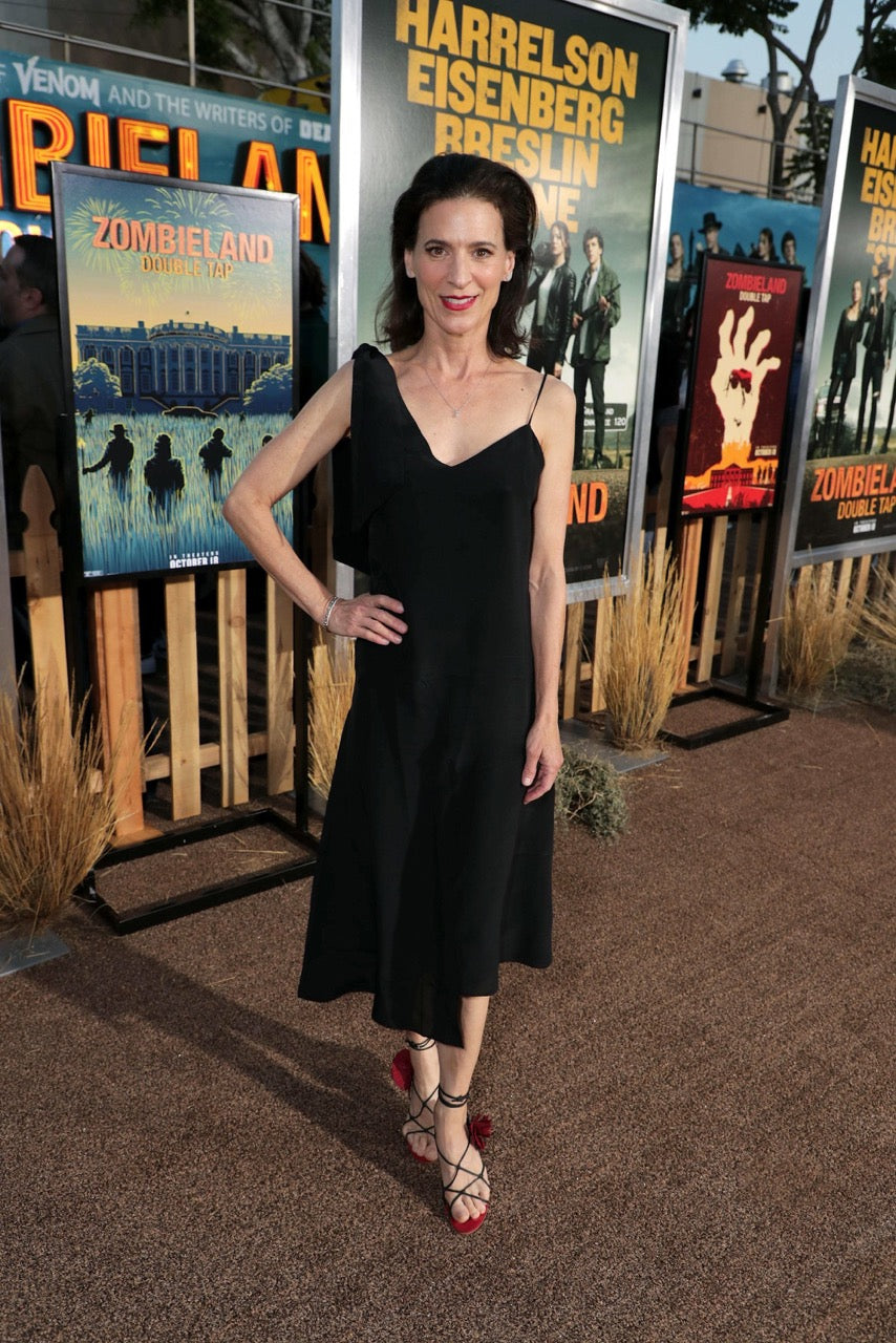 perrey reeves black dress