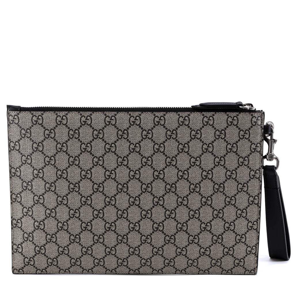 498acc22a121e5 Gucci Blind For Love Bee Clutch Bag – Cettire