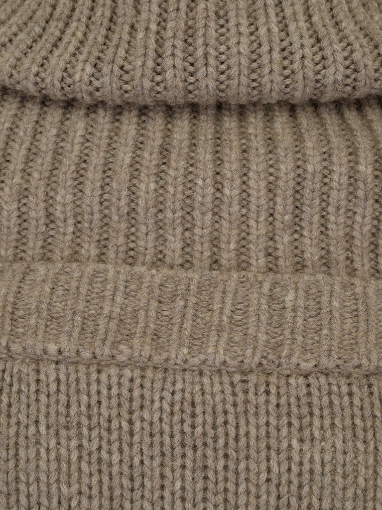a20e8f1ff2b817 JW Anderson Oversized Knitted Jumper – Cettire