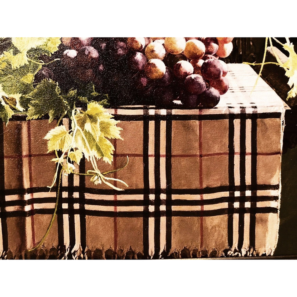 Burberry's Classy Dine With Grapes