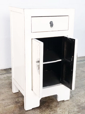 2Door 1 Drawer Chines Cabinet