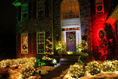 Decorating with Outdoor Christmas Light Projectors