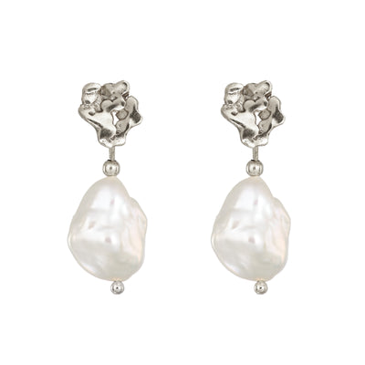 Silver Giants Causeway Pearl Earrings Buy Irish Jewellery Loinnir Jewellery