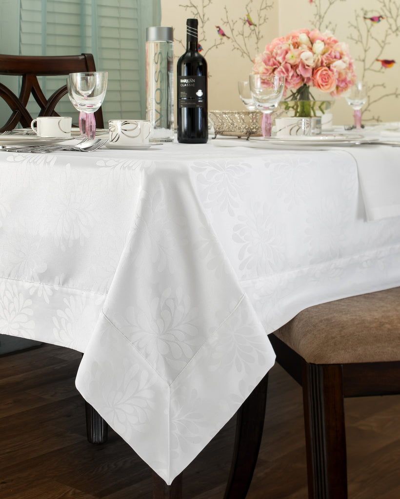 Spill Proof Tablecloth - Royalty Settings