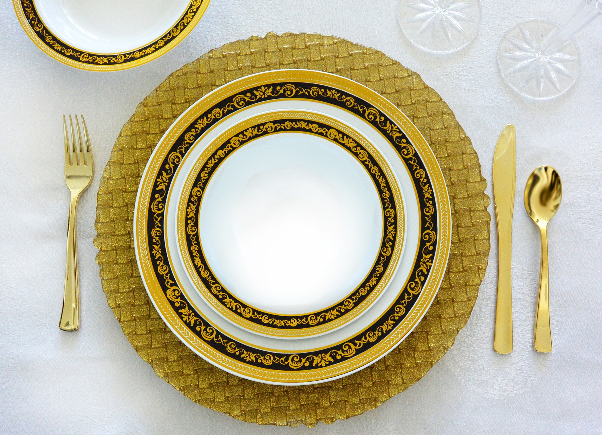& Royal Collection Black and Gold - Royalty Settings