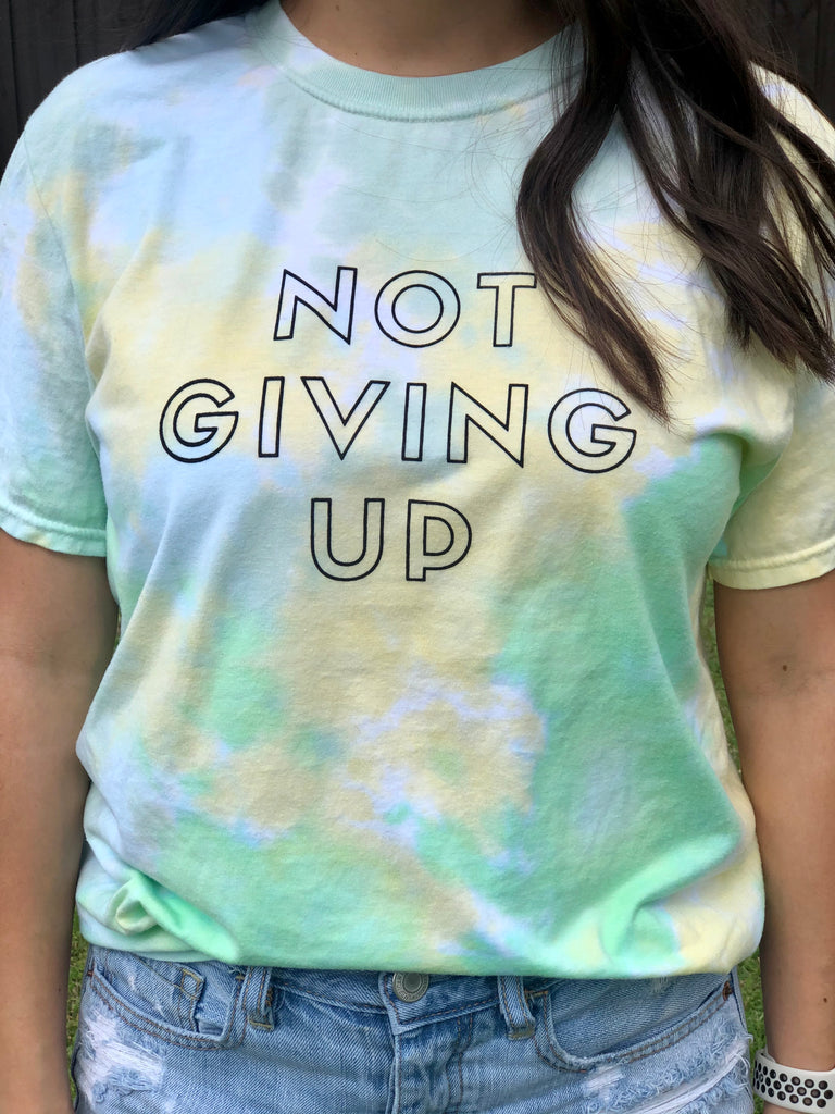 Not Giving Up (Tshirt)