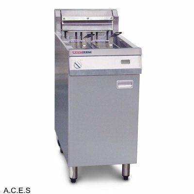 AUSTHEAT 800 SERIES SINGLE TANK FRYERS - WITH THREE BASKETS