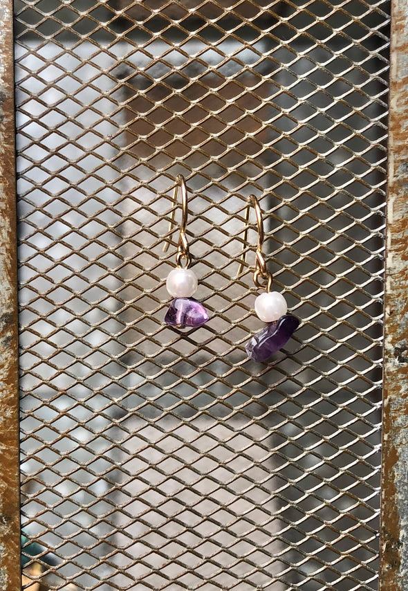 Pearl and Amethyst Dangle Earring