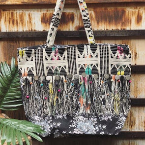 Black and White Pattern Fringe Tote with Coin Details