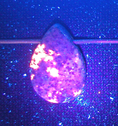 DVH Yooperlite Bead Pendant Fluorescent Sodalite in Syenite Michigan 29x20x8 (2784)