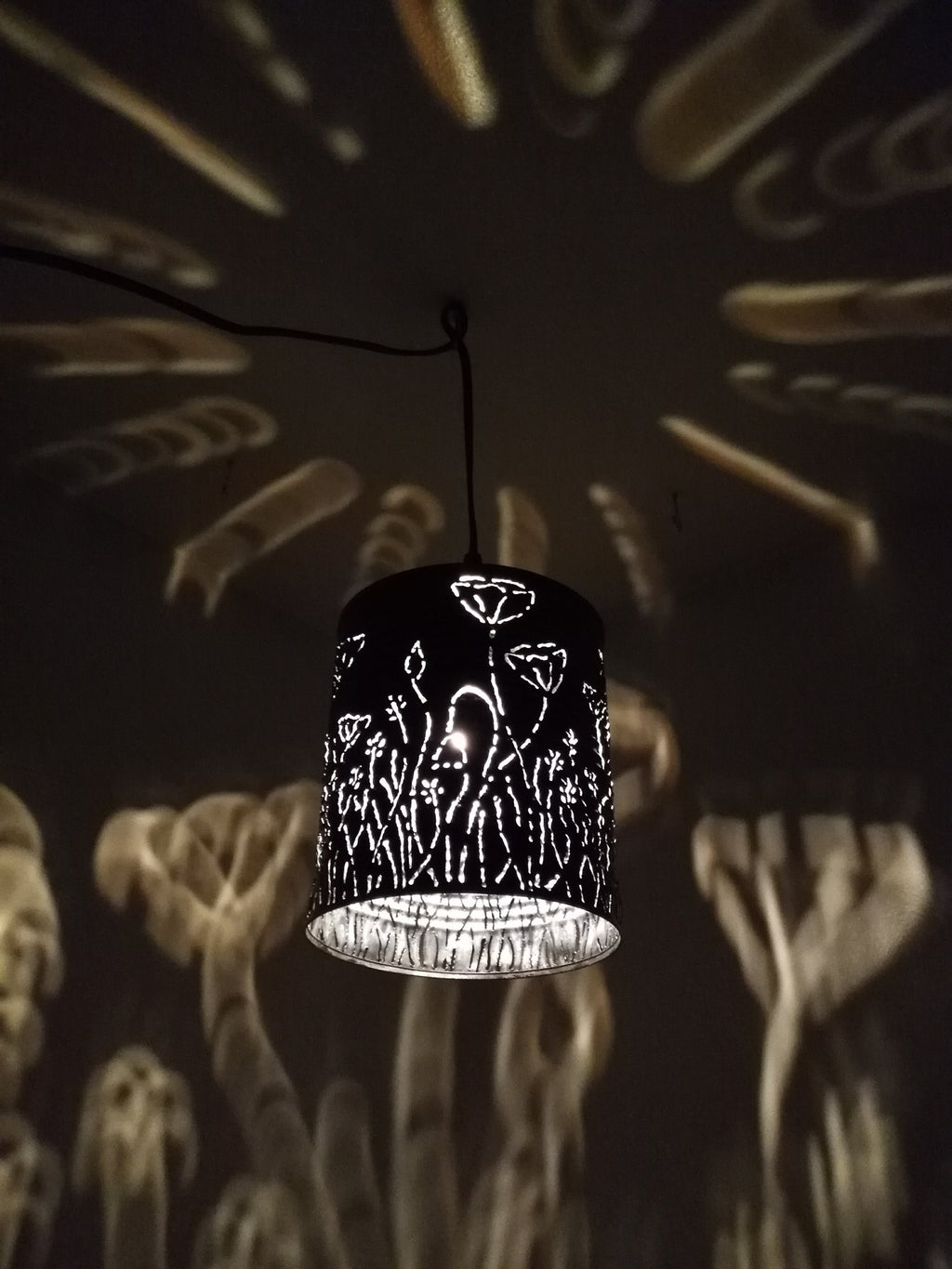 Poppy Pattern Shadow Lamp