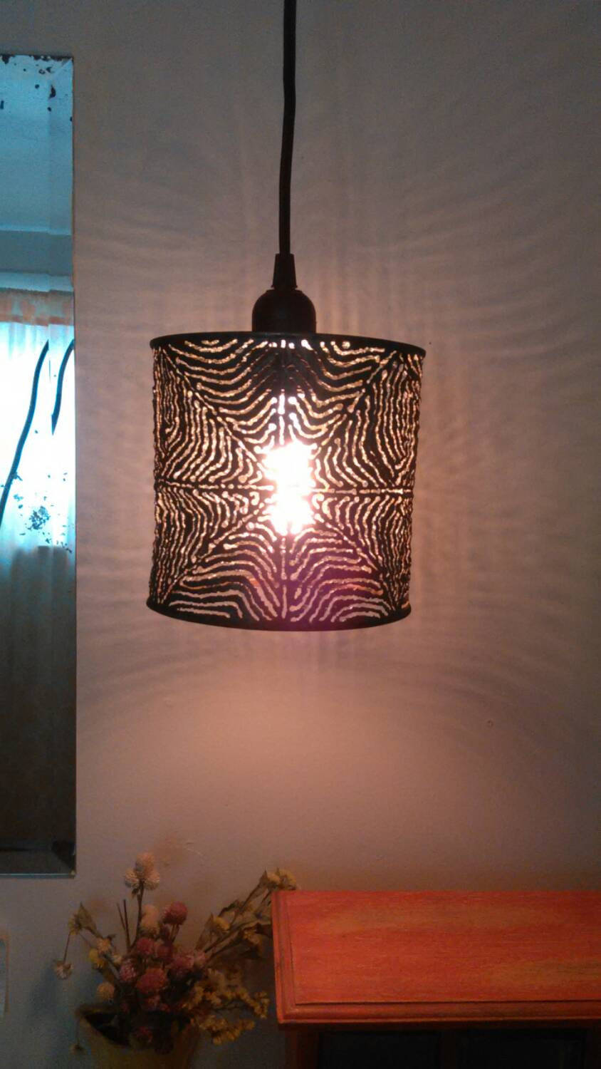 Spiderweb Shadow Lamp