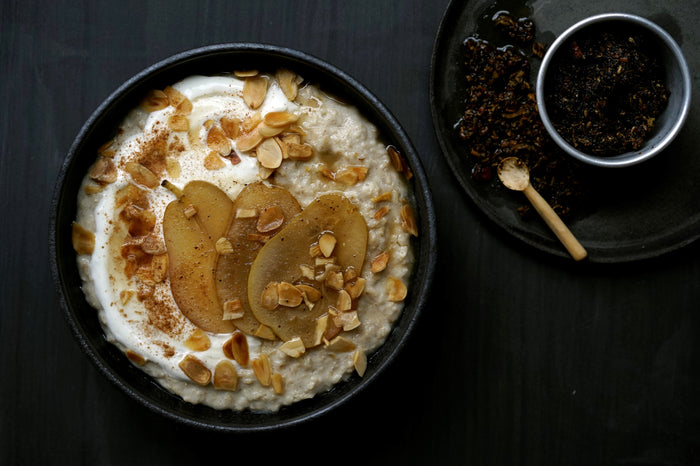 OAT & QUINOA PORRIDGE WITH FRESH CHAI SPICED PEAR