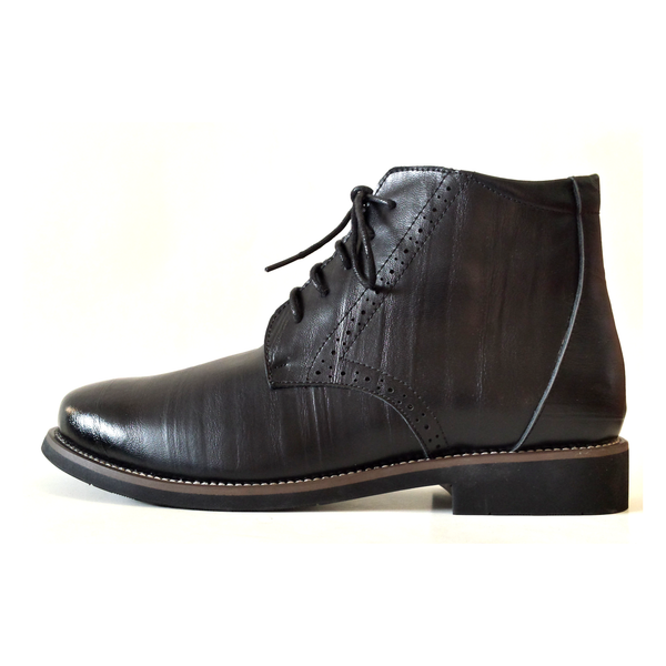 Boots in Black – Tomboy Toes