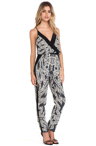 588fd667cdc Diane Von Furstenberg Shany Jumpsuit Size 6 - LIKE NEW – Selling Your Style