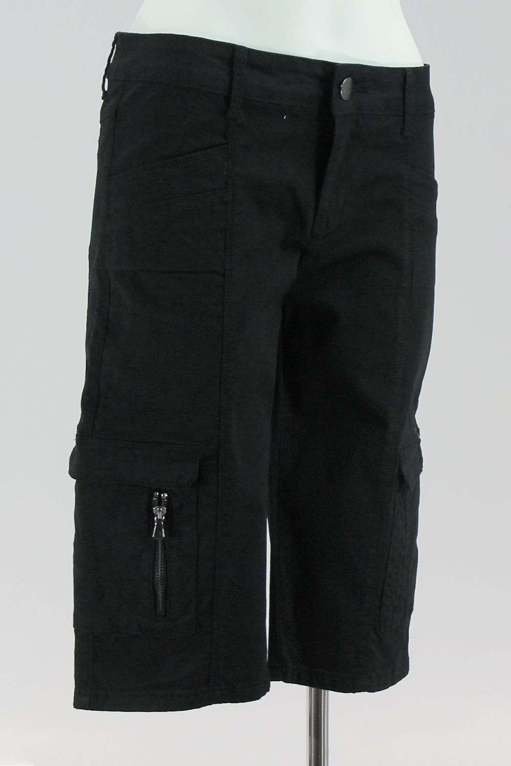 New London - Ramsey Cargo Shorts - Black - Pizazz Boutique
