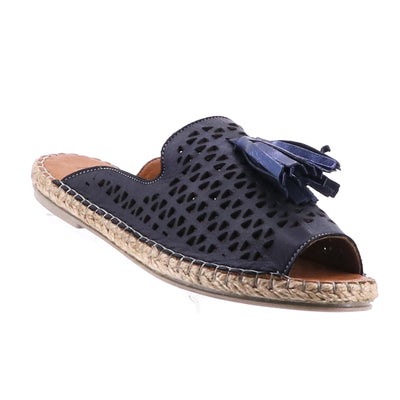 https://cdn.shopify.com/s/files/1/1218/9560/files/bueno-kite-leather-espadrille-navy.mp4