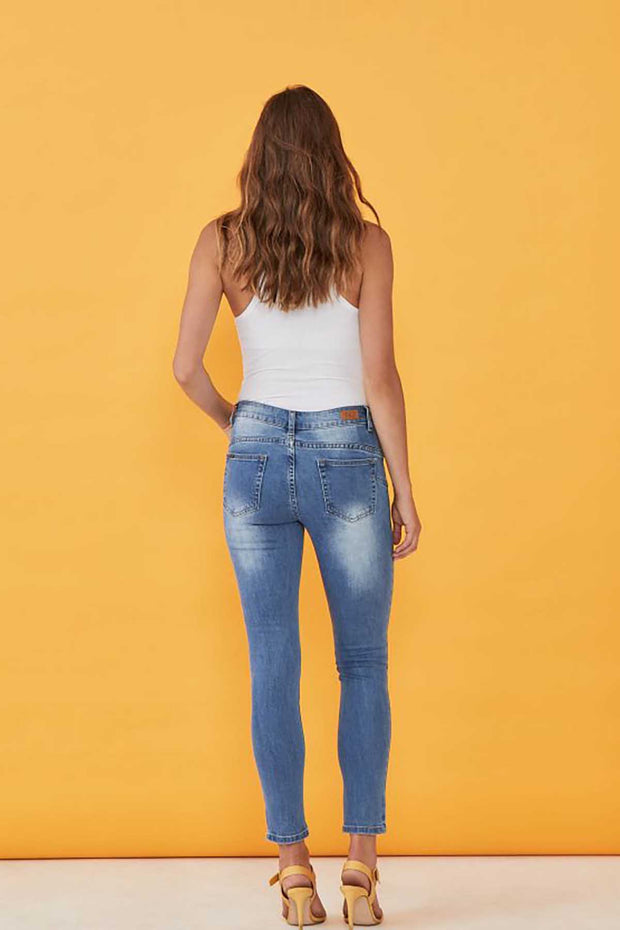 New London - Raunds Uplift Crop Rip Detail Jeans - Pizazz Boutique