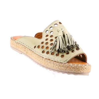 https://cdn.shopify.com/s/files/1/1218/9560/files/rilassare-tardy-leather-espadrille-khaki_720c807e-8886-4730-ad54-92662ece9b2e.mp4