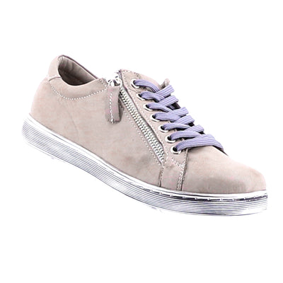 https://cdn.shopify.com/s/files/1/1218/9560/files/rilassare-token-sneaker-taupe_eee7b1af-be49-459b-aaa0-f7107f9b2c1e.mp4