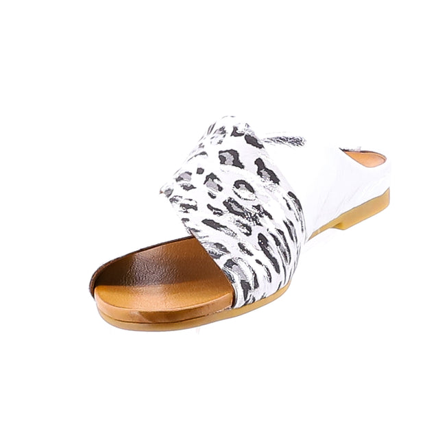 Silver Animal Print Sliders