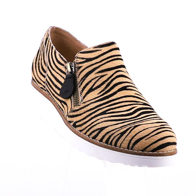 https://cdn.shopify.com/s/files/1/1218/9560/files/topend-otilia-tan-zebra-shoe.mp4