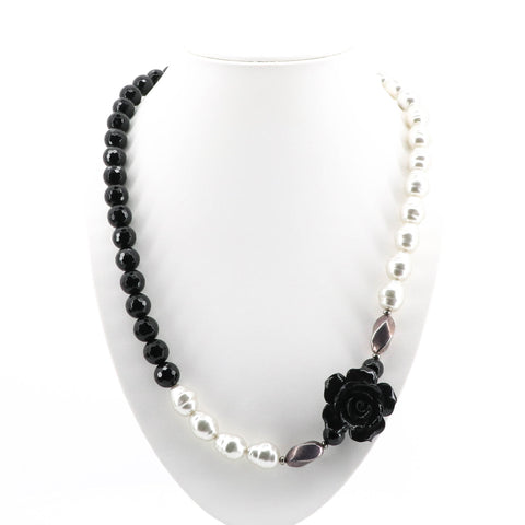 Petals and Pearls Necklace -A18