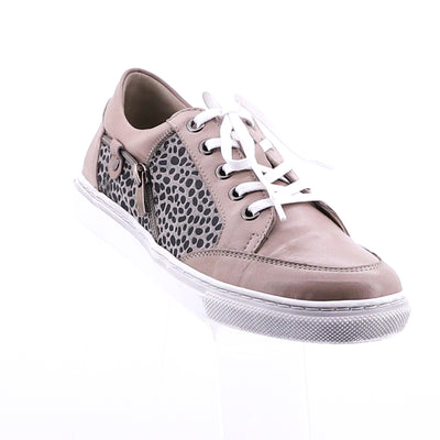 https://cdn.shopify.com/s/files/1/1218/9560/files/via-nova-carina-taupe-leopard-shoe.mp4