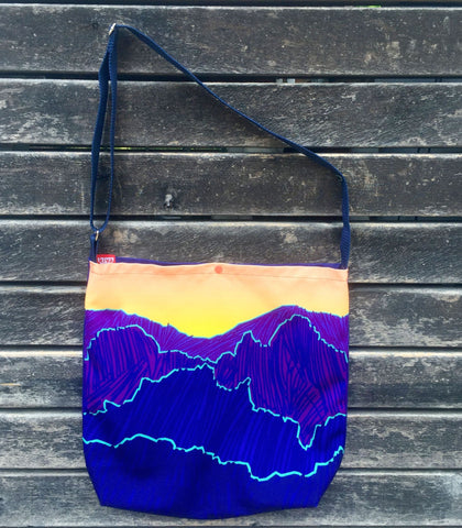 mountains market tote