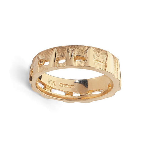 Standing Stones Orkney Ring in 9 ct Yellow Gold