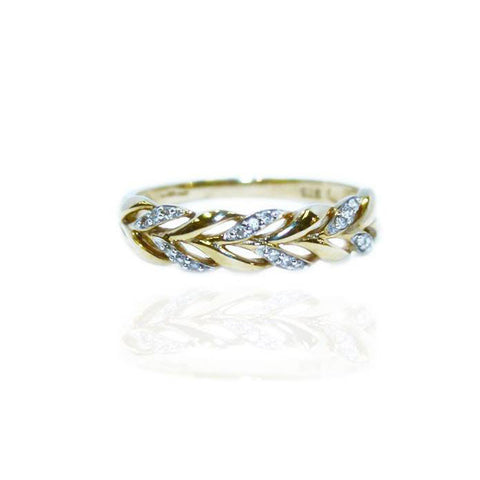 Celtic Pleat Ring in Gold with Diamonds