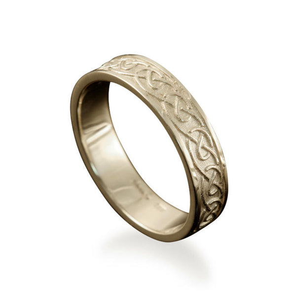 Mousa Celtic Knotwork Ring in White Gold
