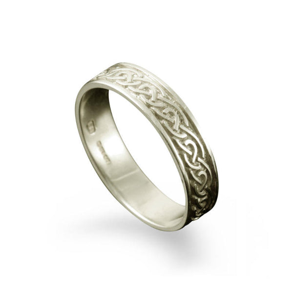 St. Ninian's Celtic Knotwork Ring in Platinum