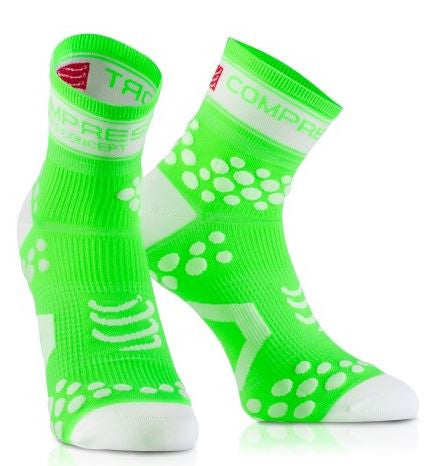 Compressport V2 Pro Racing Run Socks Fluo - Triathlon Point