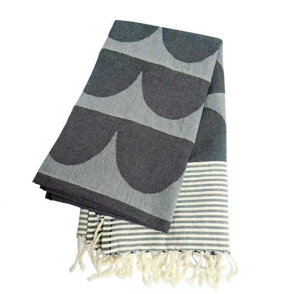 Tu Es La Vague Black Go Undercover Blanket - Northlight Homestore