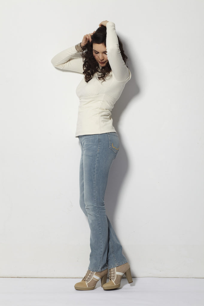Beauty Jeans Sky Straight Leg Mid Rise