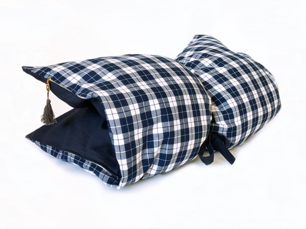 Plaid Flannel & Twill Mini Throwbed In Navy & White | hedgehouseusa