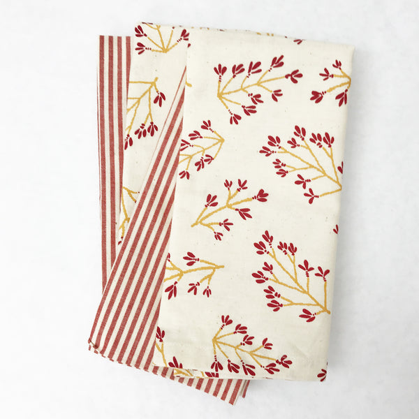 Normandy II Branches Napkin in Garnet & Gold