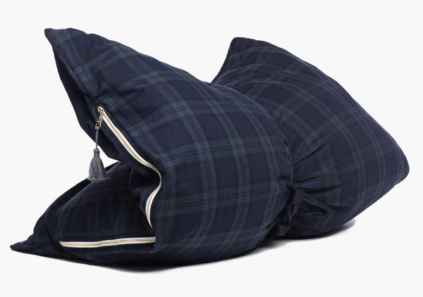 ARCHIVE:  Stowe Flannel Mini Throwbed In Navy & Hunter | Hedgehouse