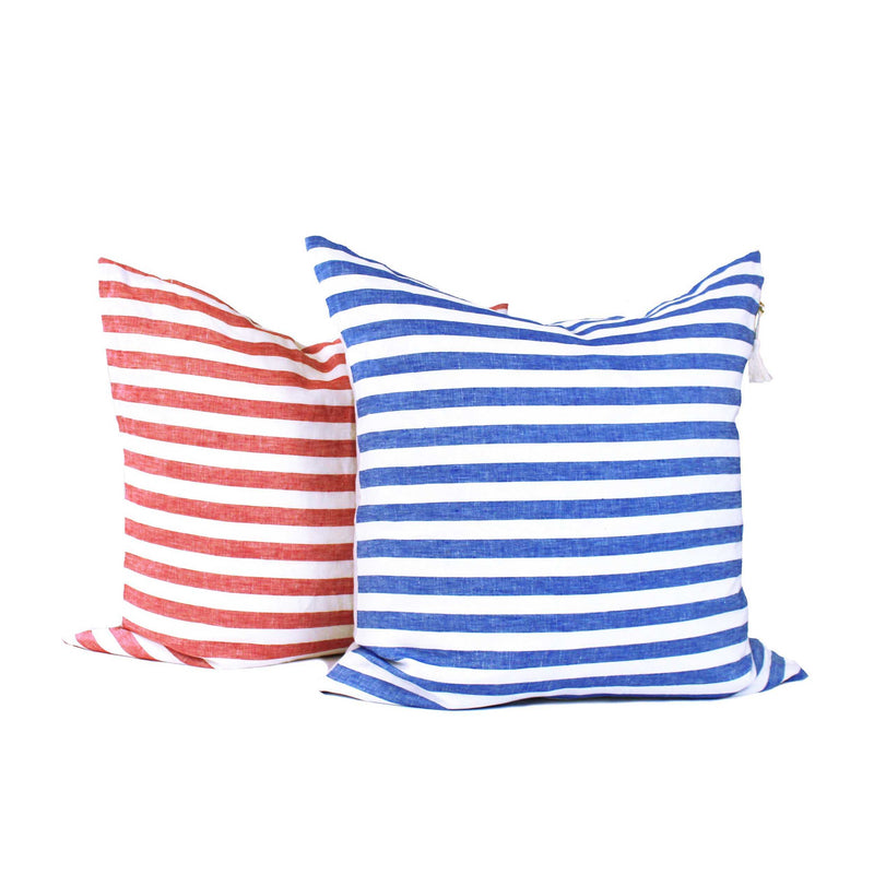 Throw Pillow in Sur La Mer