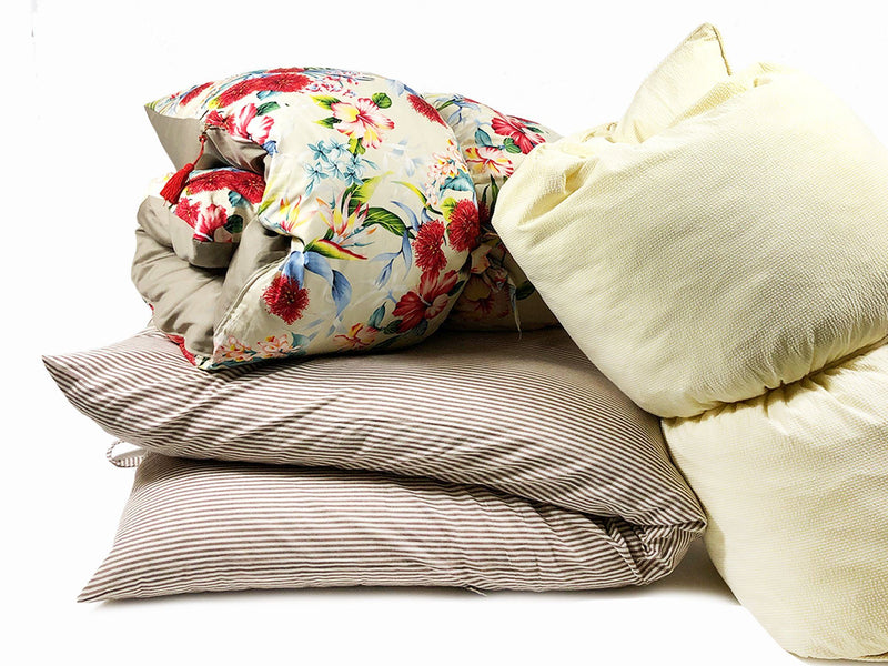 Throwbed in Hibiscus Floral and Khaki
