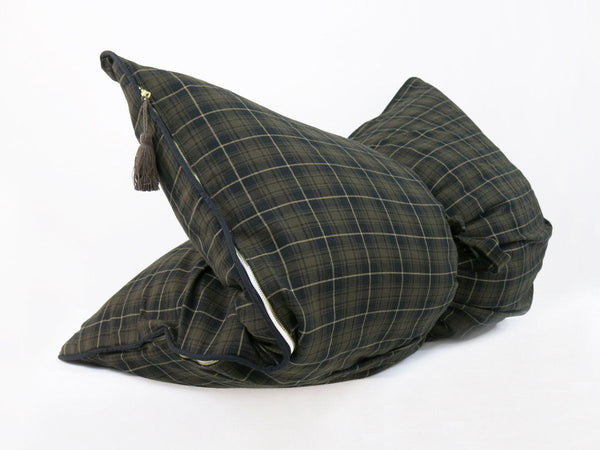 Mini Throwbed In Brown & Black Plaid Flannel