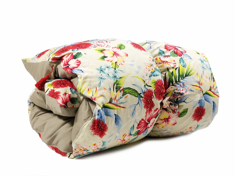 Throwbed in Hawaiian Floral and Khaki