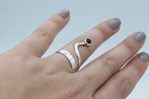 black spinel silver wave ring, black spinel ring, black stone silver ring