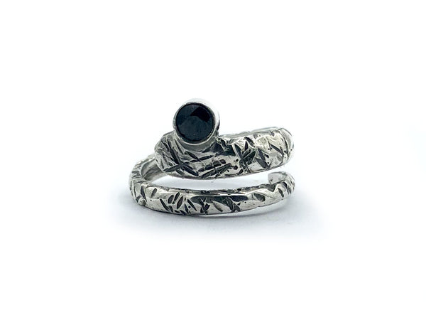 snake ring, black spinel ring, black stone ring, modern ring