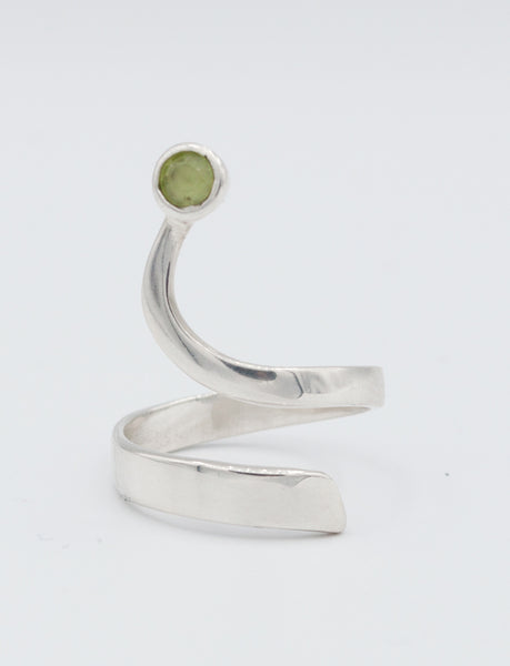 green peridot silver ring, Trikemia wave ring, August birthstone silver ring