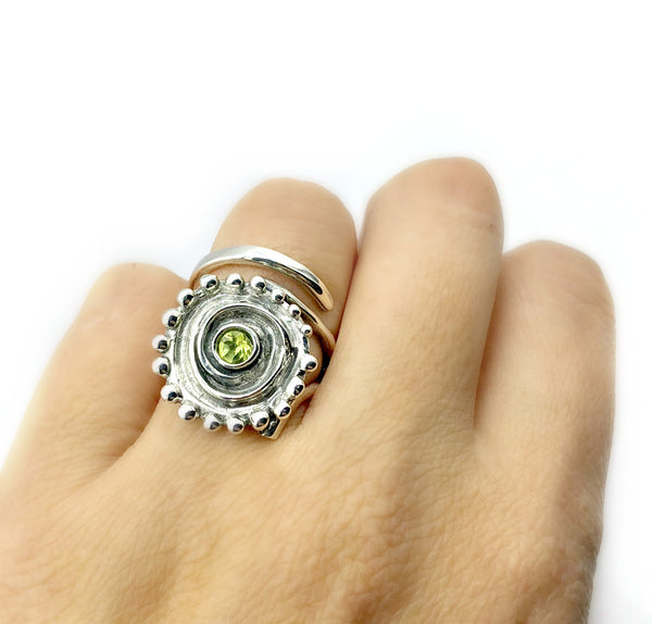 large Sun ring, swirl ring, large silver sun ring peridot ring